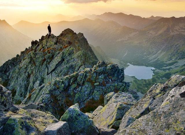 Les Montagnes, Piquets Terrestres